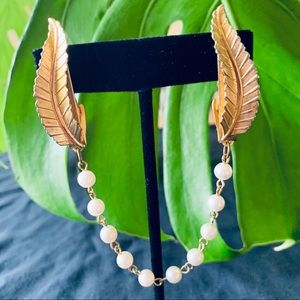 Jewelry - Vintage Gold Leaf Faux Pearl Chain Sweater Clip